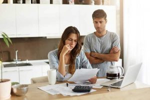 Read more about the article Does filing for bankruptcy affect your spouse