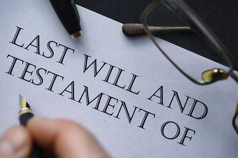 difference between living trust vs a will